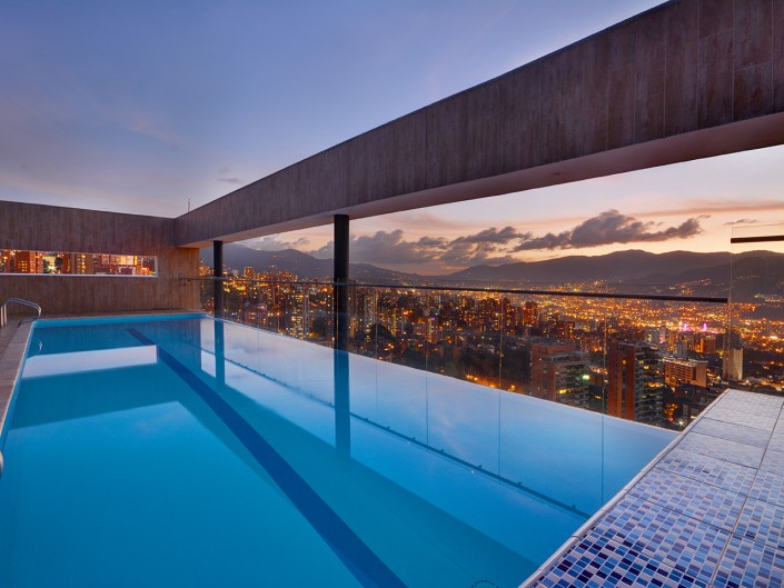 Pool at Edifico Energy Medellin