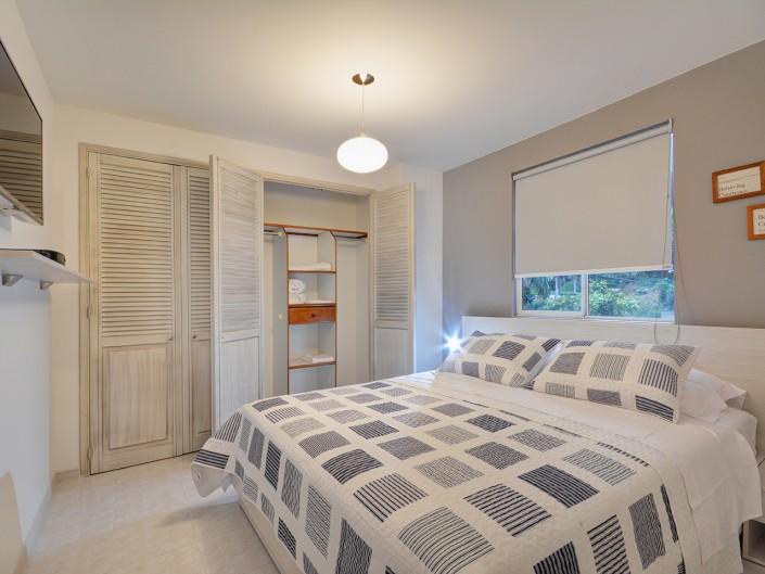 Room Rental Medellin Apartment