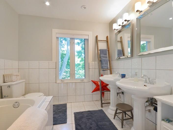 Master Bathroom Toronto Home