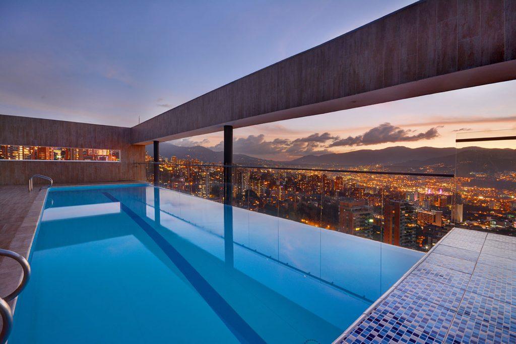Edificio Energy Living Medellin Rooftop Pool